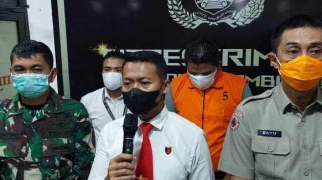 Sumur minyak ilegal di Batanghari terbakar