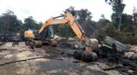 Gudang minyak ilegal di Muaro Jambi
